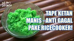 Makanan serupa roti ini biasanya diisi dengan daging, cokelat, pandan, ataupun kacang hijau. Cara Membuat Tape Ketan Manis Anti Gagal Ricecooker Fermented Sticky Rice Eatlikeindonesian Youtube