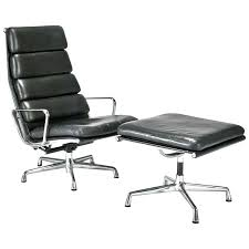 leather soft pad executive chair and ottoman by charles and ray eames 1 eames chair longue