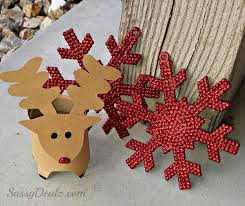 DIY Christmas Wreath Using Toilet Paper Rolls  Find Fun Art Christmas Crafts Made With Toilet Paper Rolls