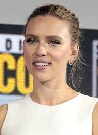 Scarlett Johansson - Simple English ...