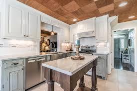 quartz kitchen island close up in east coast granite tile