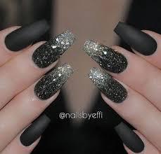 Las uñas acrílicas son una opción genial cuando quieres lucir una manicura estupenda, pero sientes que las tuyas no el largo de las uñas también puede definir tu personalidad. Disenos Para Unas Acrilicas Negras Decoracion De Unas