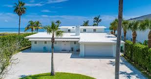Direct Ocean Home, Fantastic Deck, Spacious & Bright, Downtown 4  Blocks,Rockets - Cocoa Beach