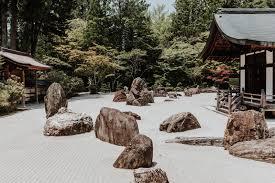 banryutei the rock garden protecting