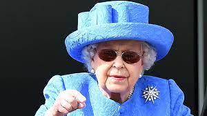 Harry e Meghan, la Regina Elisabetta vieta l'uso del marchio Sussex Royals  - Open