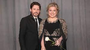 Scheidungskrieg: Kelly Clarkson zahlt ...