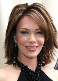 stylish short haircuts for women over 40 photo 2