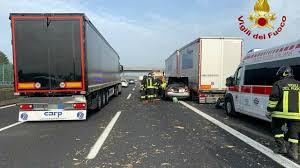 Incidente A14 oggi tra Forlì e Faenza: feriti, elisoccorso sul posto e  traffico in tilt