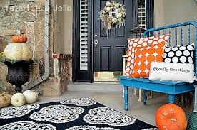 5 fall front door decorating tips