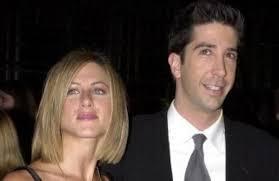 Jennifer aniston and david schwimmer are reportedly dating. Hnwnysswgc 8im