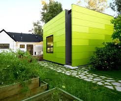 Modern And Contemporary Cube Shaped Houses    View in gallery A bold design
