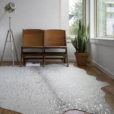 Clayton Stone/ Silver Faux Cowhide Rug (6'2 x 8') - Free Shipping Today -  Overstock.com - 22898147