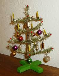 Antikeralterweihnachtsbaumchristbaumschmucktannenbaum