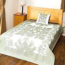 Hawaiian Quilt Bedspread King Hawaiian Bedspreads Quilts Pineapple ... & Hawaiian Quilt Bedspread King Hawaiian Bedspreads Quilts Pineapple Hawaiian  Quilt In Gray And White Stunning Whole Adamdwight.com