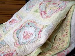 115 best Shabby Chic ~ Vintage Quilts images on Pinterest | Beach ... & Eye For Design: Decorate With Quilts For Cottage Style Interiors Love this  rose design Adamdwight.com