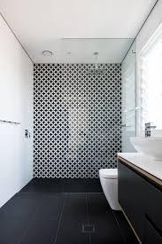 Rejunte banheiro · rejunte cinza platina · rejunte cinza · rejunte resinado · rejunte quartzolit · rejunte branco · rejunte marrom · rejunte quartzolit 1 kg · re. Banheiro Preto E Branco 10 Ambientes Para Se Inspirar Casa Vogue Ambientes