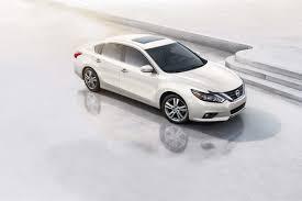 2017 Nissan Altima Overview | Cars.com