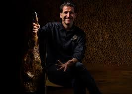 Nous trouver am par alexandre mazzia 9 rue françois rocca, 13008 marseille, france contact t.: Cinco Jotas Blog French Chef Alexandre Mazzia Launches His First Signature Menu For Cinco Jotas