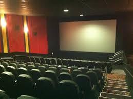 warrenville regal cinema to air presidential debate wednesday