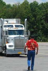 ELD mandate: What about trucks plated below 26,000 lbs.?