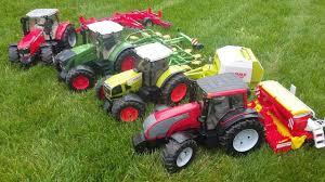 bruder farm toys tractors cl fendt valtra mey ferguson bworld news video