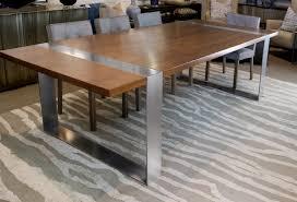 Hohe Küchentisch Auf Dem Hohen Küchentisch Setzt Hohe Top Tisch