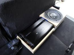 a quick 2004 ford f150 install car audio diymobileaudio com the wiring on the amp rack is tight but everyhting is bundled neatly though kinda hard to see hehe the import thing is i can access the gain controls