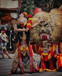 Jaranan atau kuda lumping adalah kesenian yg populer di kediri, indonesia. 9 Ide Barong Barong Seni Topeng