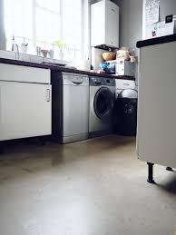 Screeding Bathroom Floor Fitting Laminate Flooring In The Kitchen And Bathroom