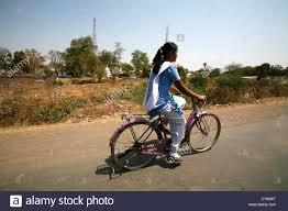 Village college girl removing salwar