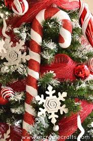 How To Decorate A Candy Cane Christmas Tree Peppermint Christmas Tree 29