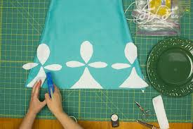 layout where you want the white pattern to go on the bottom of the dress