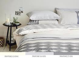 monochrome bed pantones 1a