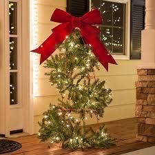 Simply elegant Christmas garland topiary tree! DIY Christmas Lights
