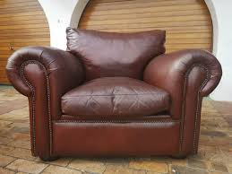 1 seater leather couch arm chair in cognac tan color neg call bobby 0764669788