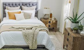 How to Arrange a Small Bedroom With Big Furniture ...