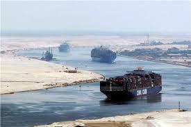عبور 51 سفينة قناة السويس اليوم بحمولة 2.9 مليون طن