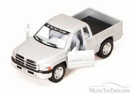 Dodge Ram Pick-Up, Silver - Kinsmart 5018D - 1/44 scale Diecast ...