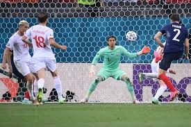 Karim benzema wurde für die em zurück in frankreichs nationalmannschaft geholt. Rf Rxuqknlezem
