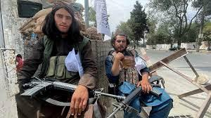 """الحكومات العربية """"تتابع باهتمام"""" الوضع الأفغاني وحركات إسلامية """"تبارك""""  سيطرة طالبان على الحكم"""