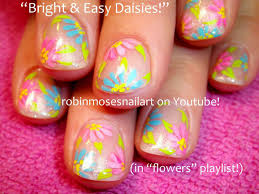 Bright Flower Nail Art Design Tutorial Nail Art By Robin Moses Super Pretty And Bright Daisies On