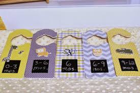 love these diy baby closet dividers learn how to make baby clothes dividers with just