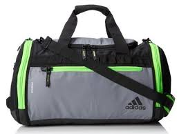 images?q=tbn:ANd9GcQdVCWk9dT2IdyrxTkD3TLDimUoJStWypj3ucSa51z gA5IK8Cq - How To Choose A Best Duffle Bag For Gym