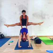 world best yoga learn ashtanga vinyasa yoga teacher in rishikesh goa