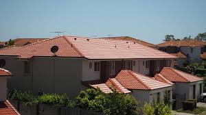roof paint brisbane applying the finish strongguard