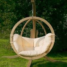 33 Awesome Outdoor Hanging Chairs | DigsDigs