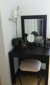 Small Table For Bedroom 1000 Ideas About Small Vanity Table On Pinterest Small Dressing