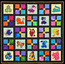 Online quilt classes & quilting patterns: Baby quilt of applique ... & As you can see, the applique blocks alternate with patchwork star 4-patch  blocks which really compliment the applique. Each animal block is different  and ... Adamdwight.com