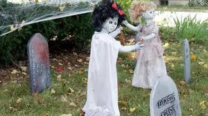 outdoor halloween decorations diy   Handmade DIY Halloween Decorations -  Creepy Dead Dolls Playing