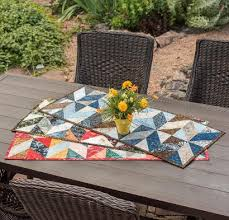 Top 10 Quilted Table Runner Patterns for Spring & Table Topper Quilt Kits You'll Love! Adamdwight.com